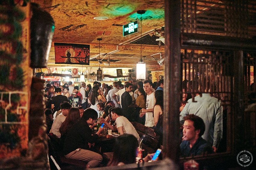 Join a party at Perry's (Huaihai Lu)